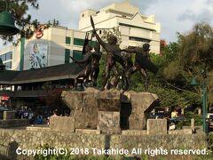 バーンハム公園(Burnham Park)  公園の北端部、にあるイゴロット族(Igorot)の像です。   バーンハム公園:https://en.wikipedia.org/wiki/Burnham_Park_(Philippines) イゴロット族:https://en.wikipedia.org/wiki/Igorot_people