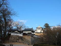 見えました! 備中松山城 天守閣です。標高430メートル  現存天守12城の中で唯一の山城です。←これ聞くと歩いて城に行った甲斐があったなぁって思います笑