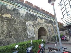 鳳山県旧城 北門(拱辰門)を観光。 蓮池潭から一番近くにある旧城跡です
