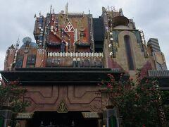 映画『ガーディアンズ・オブ・ザ・ギャラクシー』のアトラクションはタワー・オブ・テラーからリニューアルしました。 映画は見たことはありませんが、面白いです。