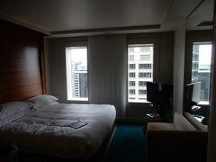 ヒルトンシドニーエグゼクティブキングルームにチェックイン。 私の勝手な思い込みですが、良いホテルは連泊しないと楽しめない。