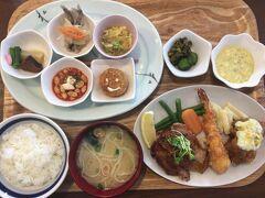 宮崎インター降りて10分くらいでレストランたつやへ。 土曜日でもランチがあり、予約可能ということで決定!  これはプレートメニューのスペシャル 本日のプレート+メインディッシュ+味噌汁+ごはん