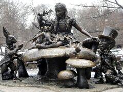 10:45 不思議の国のアリス像(セントラルパーク) ,  Alice in Wonderland, Central Park, New York