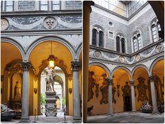 最初の訪れたのはメディチ・リッカルディ宮。14世紀に始まるルネッサンス時代に一大勢力を誇り、フィレンツェを支配したメディチ家が100年に渡って暮らした豪邸です。柱とアーチが並ぶ美しい中庭。