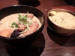 夕食はイエローさんでスープカレーを。 ここのスープカレーも最高です。この頃から体調がおかしいことに。