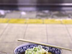 長野駅の駅蕎麦を頂いて、本日のミッションは完結!\(^o^)/ 侮るなかれ! 長野駅の駅蕎麦は本気で美味しいですので!(私理論