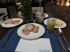 2日目 ホテルの朝食で、腹ごしらえです。