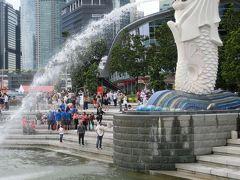 シンガポールの象徴 マーライオン です。 多くの人でした。 3大がっかり などと言われていますが、全然そんなことなく、綺麗で立派なマーライオンです^o^