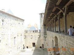 コンタル城に入場