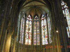 11世紀からの歴史を持つサン・ナゼール・バジリカ聖堂