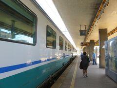 出発地はレッジョ・カラーブリア。 レッジョ・カラーブリアからサレルノまではICを使いました。 サレルノまで4時間弱。