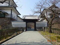 金沢城庭園入り口門