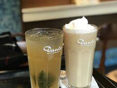 食後は永康街を散策して、カフェでお茶しました。