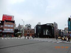 MRT西門駅付近です。 この辺りが台湾の原宿?