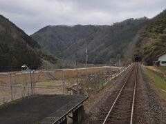 伊賀和志駅停車です。