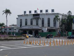 台南駅到着。バスでホテルへ向かいます。