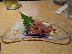 熱海に来たら桜エビですね。鰺フライも美味しかった。日本酒飲んだら写真撮るのを忘れた。チップと云うお店。
