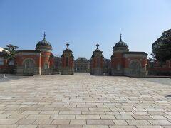 国立博物館の本当は正門だったのだろうが、ここからは入館できない。