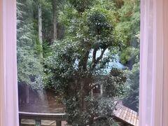 熊野神社側。温泉の神様が祀られている。