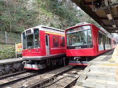 基本単線で、駅によっては二列。