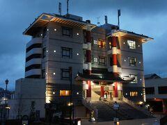 夕食は先日テレビで美輪明宏が絶賛していた「四海楼」のちゃんぽんを食べに行きました。 ホテルから徒歩数分にある立派な建物です!ちゃんぽん博物館が併設されています。