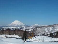 春分の日本州は天気が悪かったですが 北海道内はどこに行っても快晴 18日に半分しかまわれなかった羊蹄山めぐりのリベンジです 中山峠もスッキリ晴れて羊蹄山もばっちり ここまで綺麗に見えることはなかなか少ないです