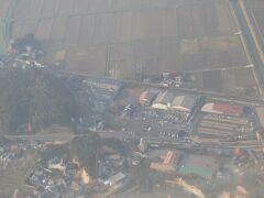 一畑電鉄の松江イングリッシュガーデン前駅。 一時期はルイス.C.ティファニー美術館前駅として、日本一長い駅名保持駅だったこともあります。 タブレットのGPS眺めていたら、ちょうど上空を飛んでいる所だったので写真を撮りました。