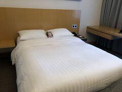 そして、ホテルに到着。 いつも出張時に手配してもらっているノボテルセンチュリー香港に宿泊なのです。 今回は、個人手配でホテルを予約したです。