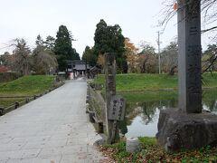 こちらは、新庄駅から歩くこと15分、戸澤神社です!