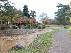 こちらが最上公園の風景です! 紅葉の時期とゆーことで、趣がでていますね~