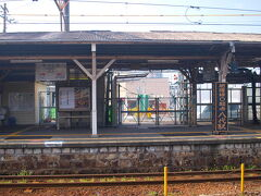 八代駅へ戻る。  肥薩線は、球磨川沿いを走る八代-人吉が「川線」、 熊本や宮崎、鹿児島との県境を越える人吉-吉松は「山線」とも呼ばれている。 今回は川線山線の両方に乗ります。