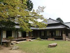 次は我が家へようこそ!  なんてウソ~!  長府毛利邸です。 こういう古い日本家屋好きだなぁ いつかはこんな家に住みたいと思っていましたが 叶いませんでした。