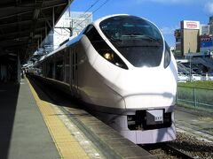 帰りは上野まで特急ひたちを利用します。新型のE657系電車で、最速130km/h運転で快適な移動ができます。上野で山手線、東京から新幹線で大阪へ。いわきから6時間ほどかかりました。
