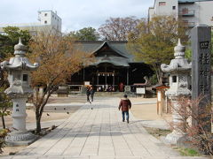 お城見学の後は、四柱神社に参拝し