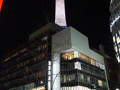 ●京都タワー@JR京都駅前  もう何度見上げたことでしょう。 でも、今日も綺麗。