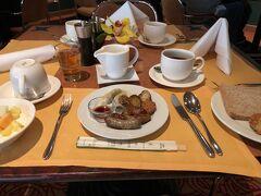 ドイツ最終日は相変わらず肉々しい朝食から迎えます。