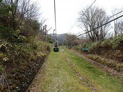帰りのバスの時間もあるので、時間短縮のため登りは登山リフトを利用しました。 片道1030円。