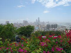 寿山公園からの展望。一番高いビルが高雄85大樓。