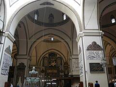 ウル・ジャーミィを再訪です! 夫が特に気に入っていました。他のモスクにはない独特な様式が、神秘的な雰囲気を醸し出している気がします。