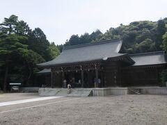 【後鳥羽天皇】を祭神としている【隠岐神社】を訪れます。