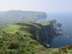 すごい!摩天崖はその名の通りとても高い崖で257mもあります。これこそ絶景と呼ぶに相応しい景観です。海も綺麗です。