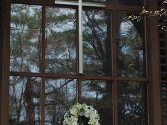 ホテルブレストンコートを通り過ぎて 軽井沢高原教会に来ました。