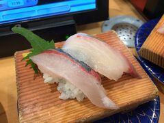 夕ご飯は近くの回転寿司に入りました。大社直送のシマアジなどがとても美味しく・・・回転寿司なのに4,400円も食べてしまいました(^-^;