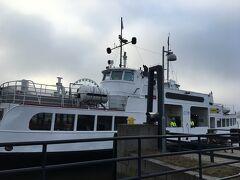 7:00 公共フェリーに乗ってスオメンリンナ島へ。