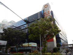 パソコンやスマートフォン、電子パーツなどの集まるお店、シム・リム・スクエア。