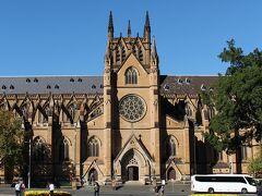 セントメアリー大聖堂を見学。