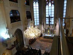 翌朝、王宮の教会で行われたウィーン少年合唱団日曜コンサートに行きました。