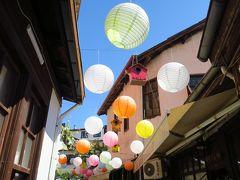 旧市街には、お菓子ロクムのお店やレストラン、お屋土産さんなど多くの商店が立ち並んでいます。 サフランボルは閑静な街並みというイメージを持っていたのですが、予想以上の混雑でビックリでした。 外国人よりもトルコ国内の人が多い様な気がします。 後で知ったのですが、トルコ国内でもサフランボル観光の人気が高まっており観光客が増えているとか。