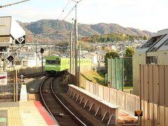 六地蔵駅まで103系を満喫し、お見送り。  遠からぬ将来、このかたちの電車も引退する日が来るのでしょうか。