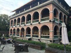 ここは淡水紅樓咖啡餐館といって、100年以上も前に建てられた洋館で1・2階はレストラン3階はカフェになっています。